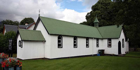 St_Fillan,_Killin_-_Tin_tabernacle_-_geograph_org_uk_-_955367